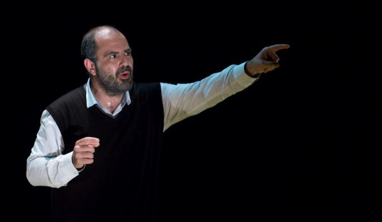 Palestine's revered poet lives on in a lyrical one-man show